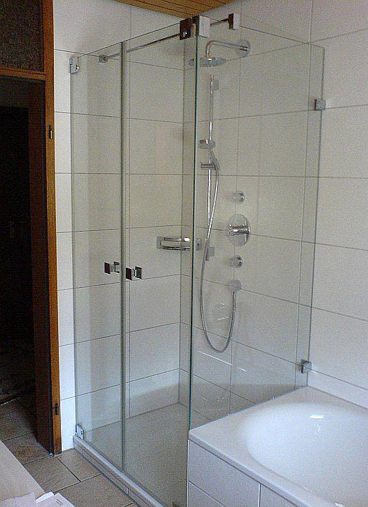 Tiba 136 Zwei Pendeltüren mit Festteil an der Badewanne